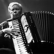 Oliveros, accordion